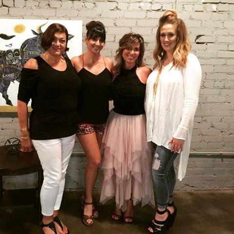 beautyandbubbly girlsnightout tonight a success! Talking beauty in hair makeuphellip