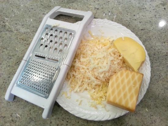Shredded cheeses for mac n cheese