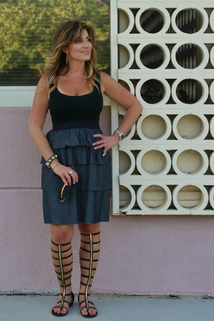 Classic Denim and Black Theory dress Dita sunglasses black gladiators 4-01