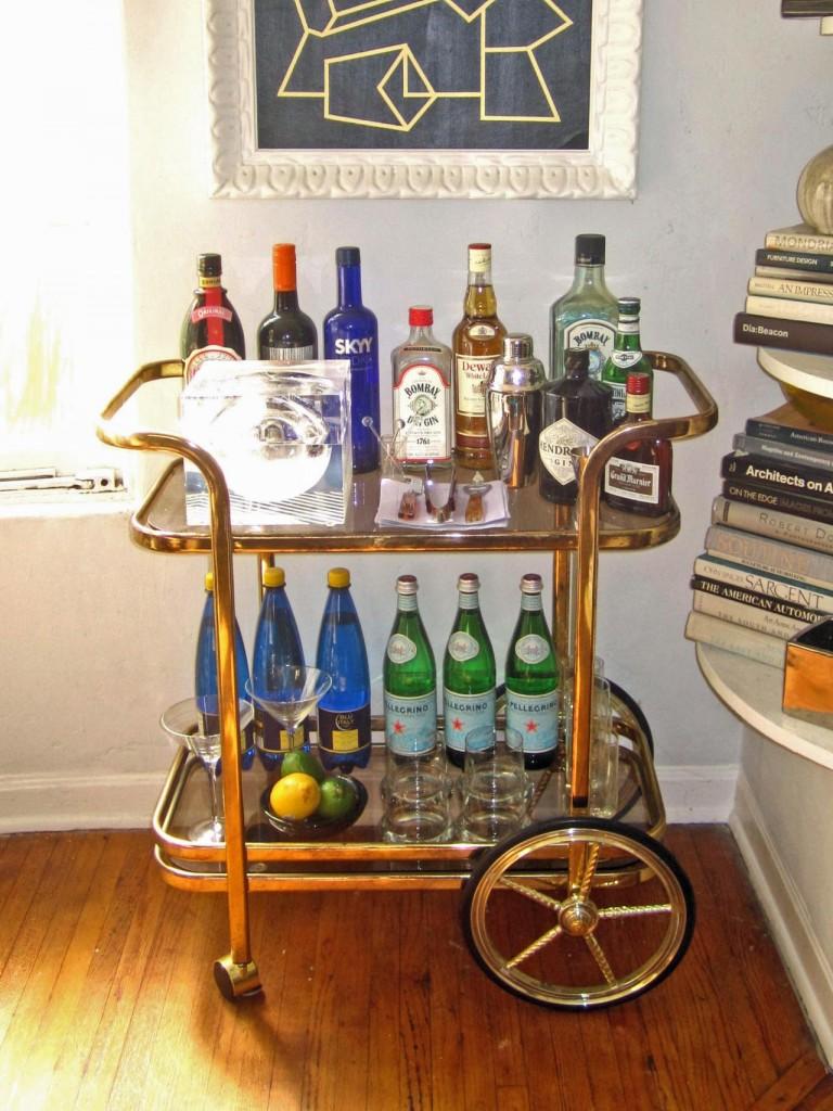 Original_Jeanine-Hays-Bar-Carts-Maison-21-Gold-Bar-Cart_s3x4.jpg.rend.hgtvcom.1280.1707