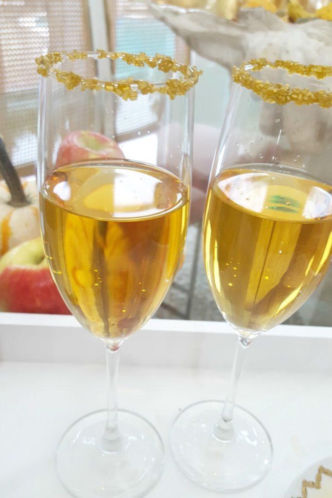 fuzzy-friday-apple-cider-mimosa-theoplife-5