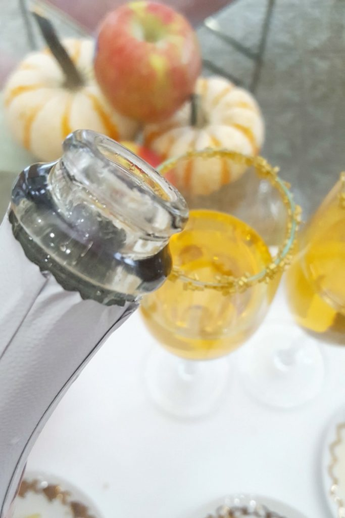 fuzzy-friday-apple-cider-mimosa-theoplife-6