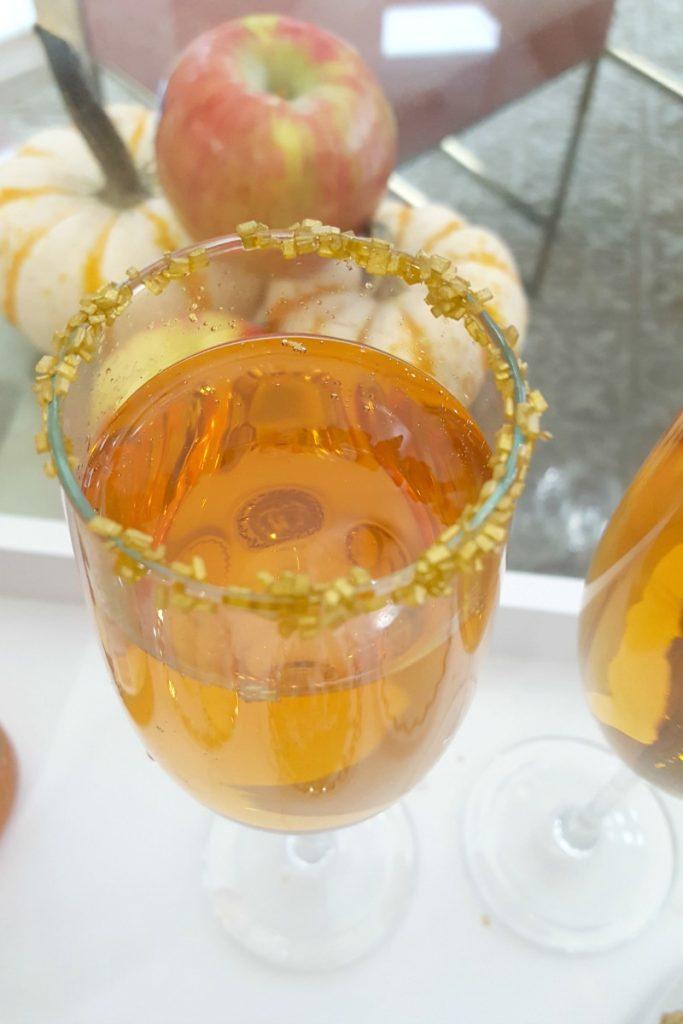 fuzzy-friday-apple-cider-mimosa-theoplife-8
