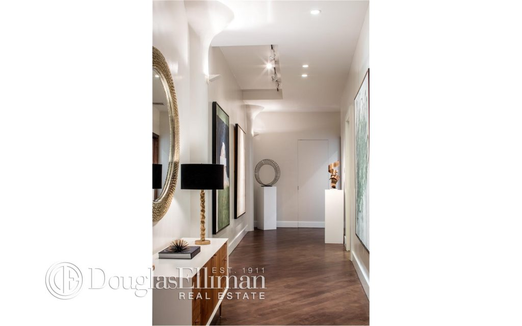 bethenny-frankel-ny-apartment-theoplife-11