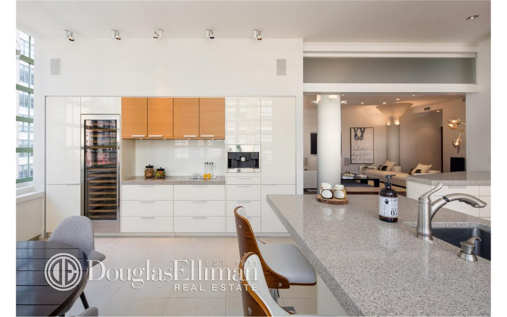 bethenny-frankel-ny-apartment-theoplife-5