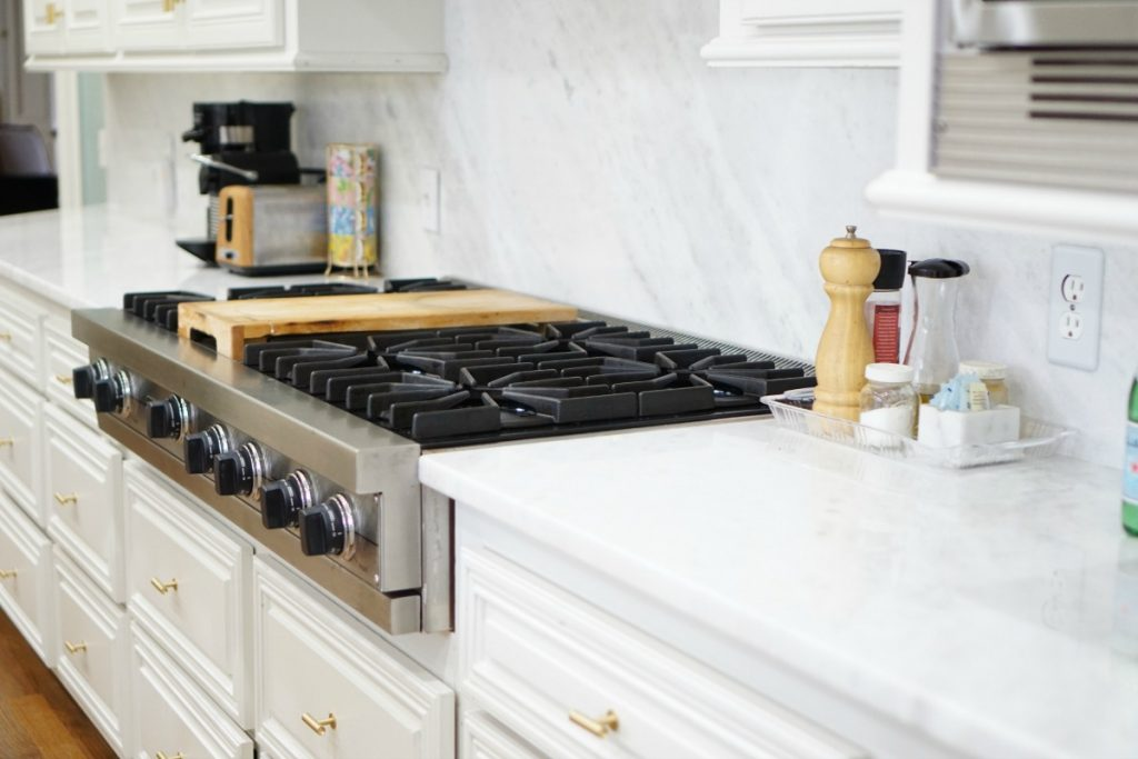 kitchen-makeover-white-marble-theoplife