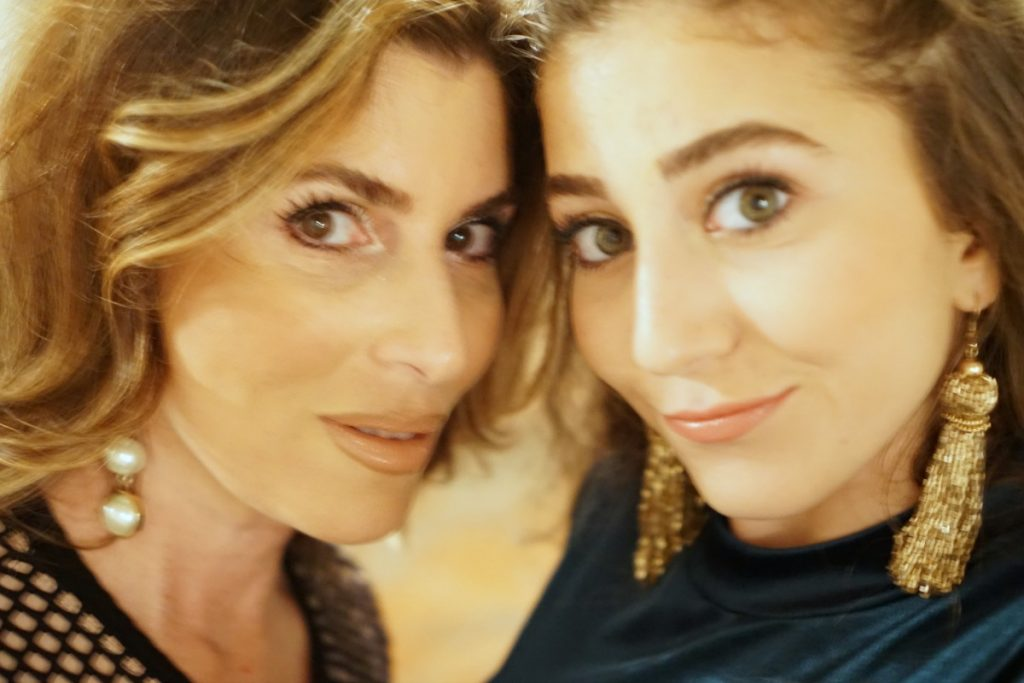 selfie-mothers-and-daughters-honestly-margo-theop-life