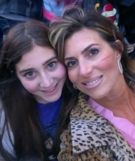 mom and margo b4 jb concert