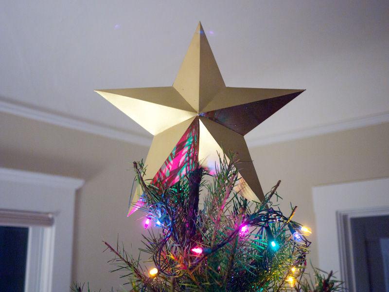gold-star-tree-topper