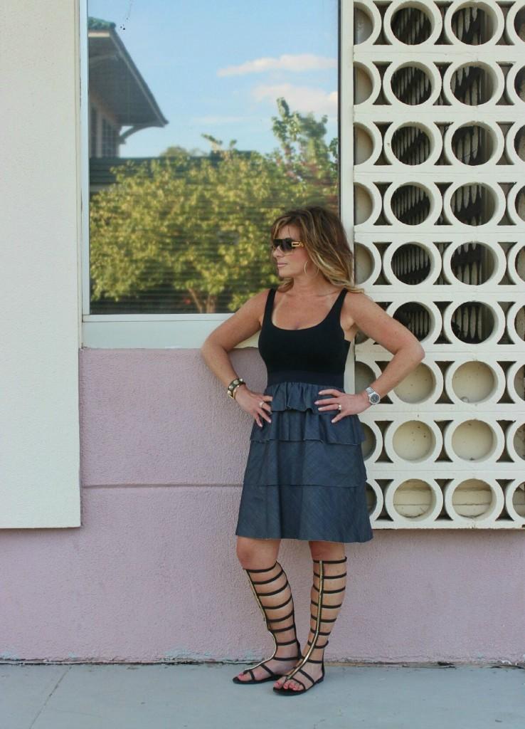 Classic Denim and Black Theory dress Dita sunglasses black gladiators -01