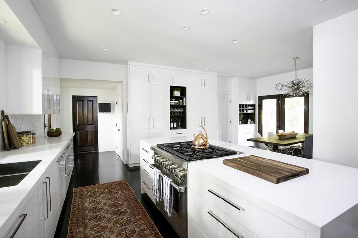 10-christina-applegate-home-pictures-celebrity-homes-0120-courtesy-w724 Christina Applegate Kitchen Makeover