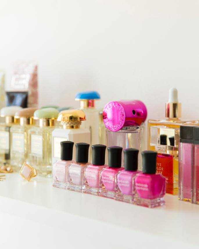 feminine-office-space-pink-peonies-37