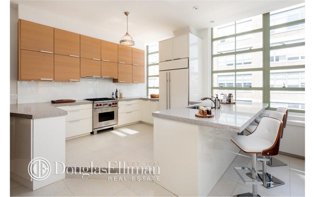 bethenny-frankel-ny-apartment-theoplife-4